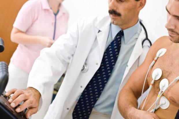 Propozycja resortu: lekarze rodzinni będą mogli wykonywać proste zabiegi. Ale czy zechcą?