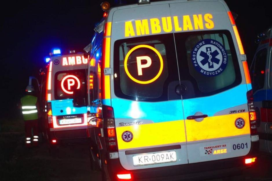 Opolskie: wypadek z udziałem karetki
