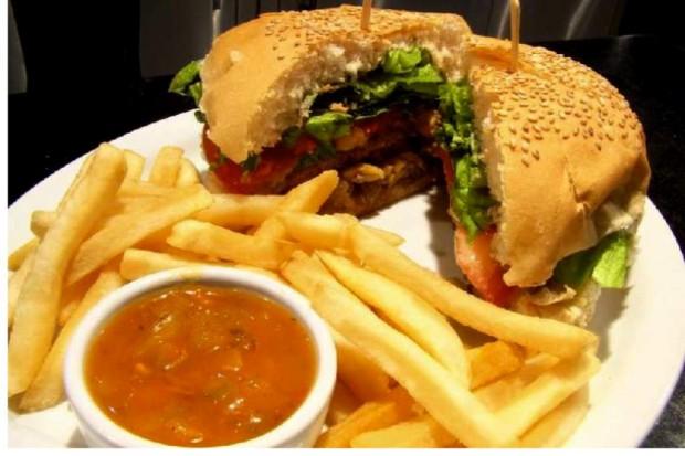 PSL chce ograniczenia sprzedaży żywności śmieciowej