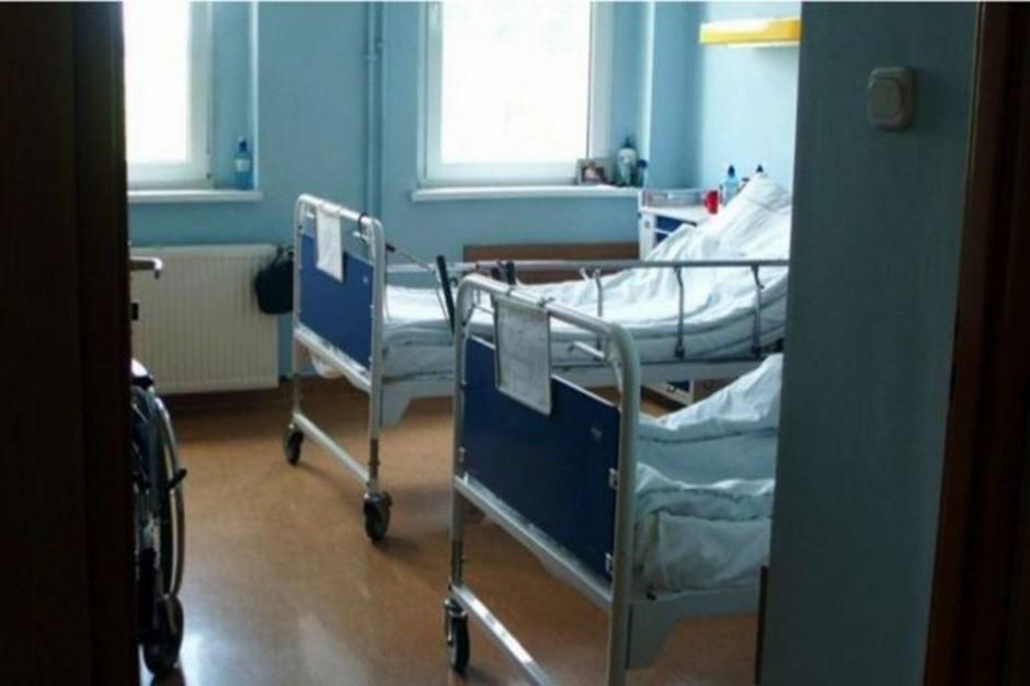 Szpital Wolski do MZ i prokuratury o braku łóżek internistycznych
