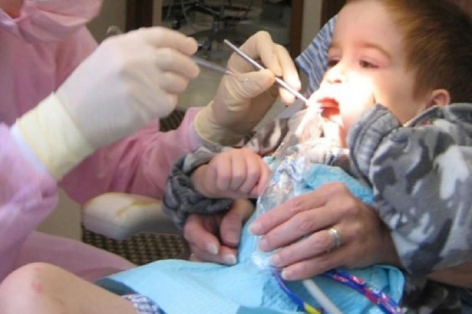 Mamy szczerbate dzieci - potrzebne dentobusy?