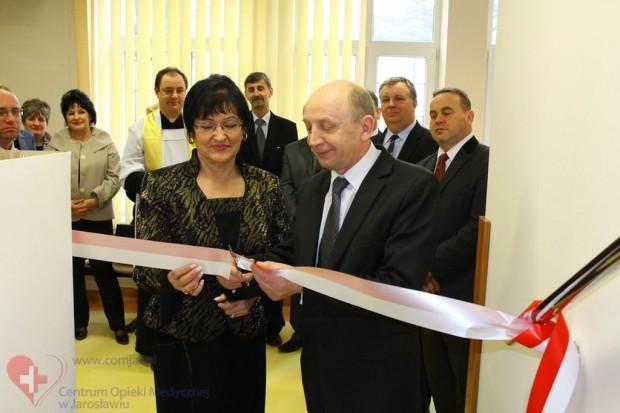 Jarosław: otwarcie zmodernizowanej przychodni