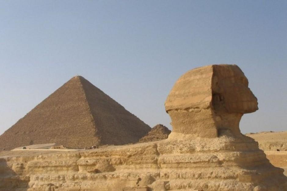 Egipt: protestujących operowali bez znieczulenia