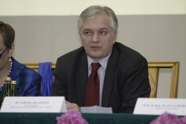 Jarosław Gowin o handlu zarodkami: mówiłem ogólnie, nie o konkretnym przypadku