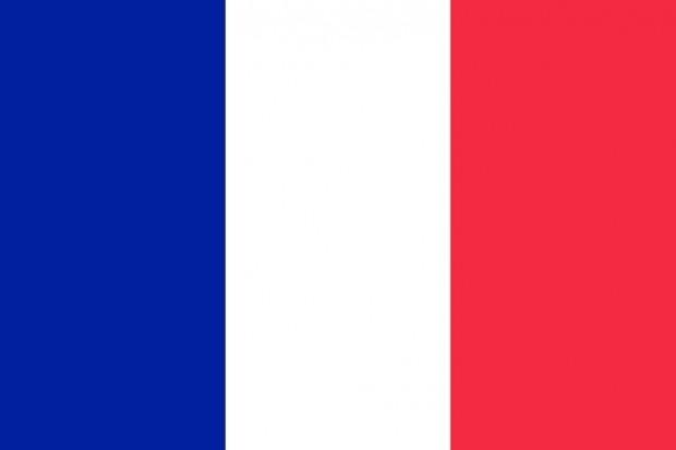Francja: zmarł pierwszy chory z nowym szczepem koronawirusa