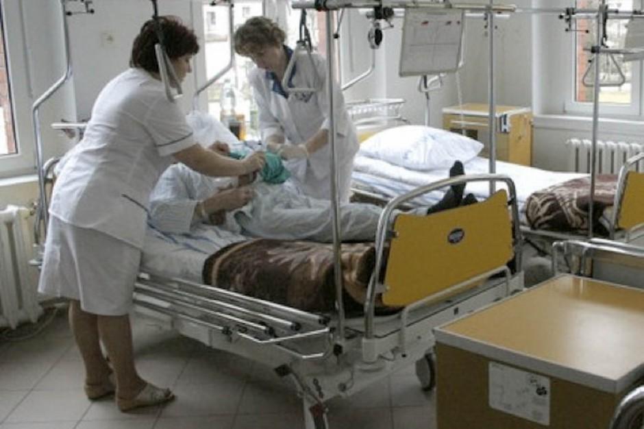 Sejm: kontrowersje wokół programów kształcenia podyplomowego pielęgniarek