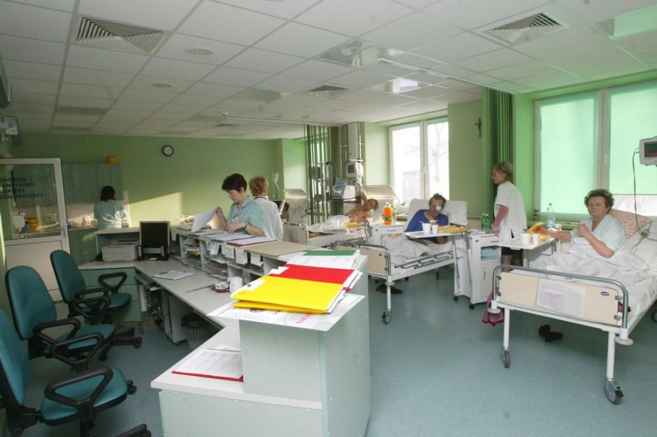 Finanse szpitali a ustawa o działalności leczniczej: zniknie marchewka, zostanie kij