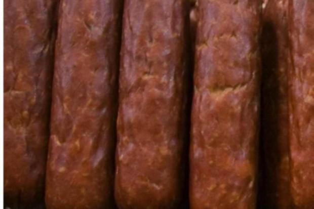 Łódzkie: antybiotyki i salmonella w mięsie z ukrytej chłodni