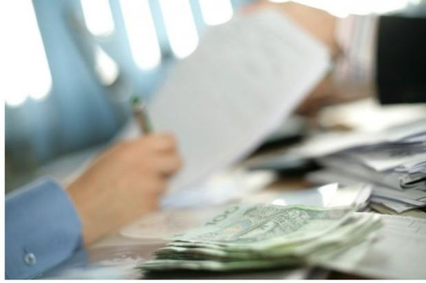 Senat: zasiłki chorobowe przedsiębiorców - nowelizacja ustawy do prezydenta