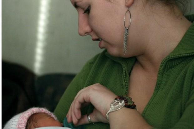 Specjaliści: trzeba skuteczniej wspierać matki karmiące piersią