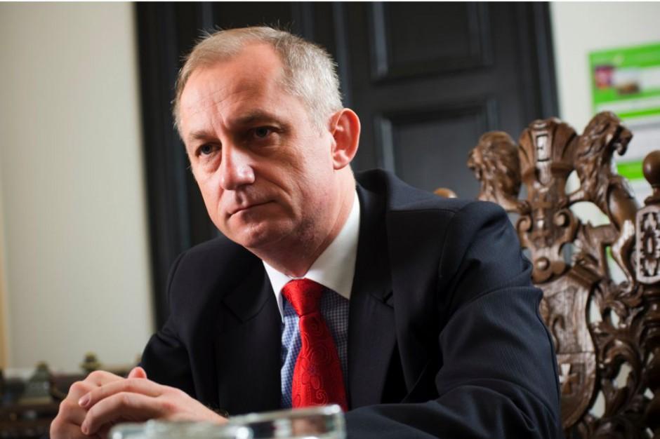 Wiceminister Neumann: konkursy dla poradni specjalistycznych w dwóch turach, na razie aneksy