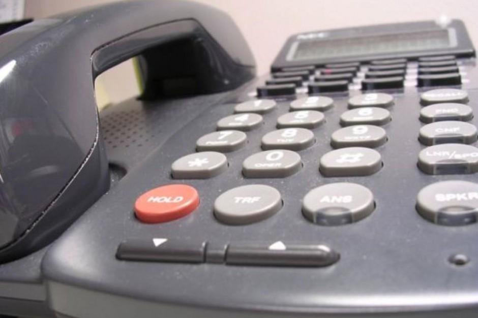 Wakacje 2013: telefon zaufania często dzwonił