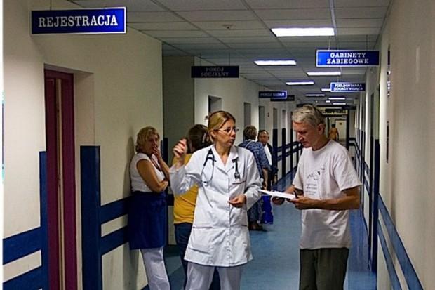 MZ: więcej rezydentur z pediatrii i interny