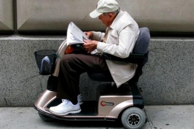 Wrocław: skonstruował wózek inwalidzki sterowany oddechem