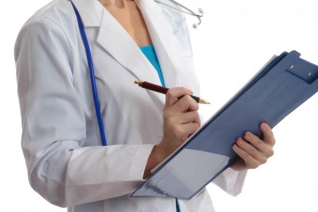 Choroby rzadkie: resort weryfikuje efekty terapii, rodzice zapowiadają demonstrację