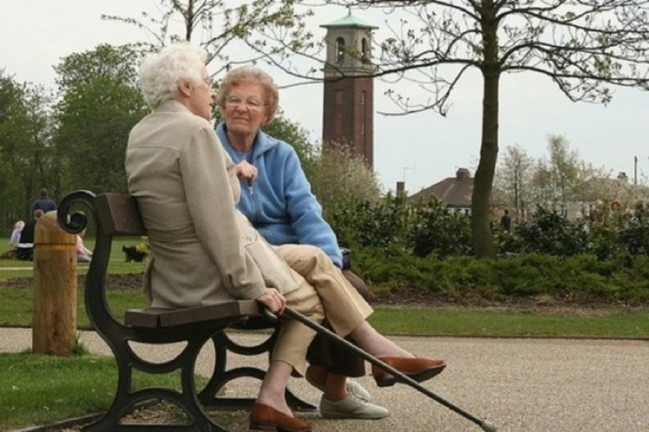 Ełk: ruszyły bezpłatne szczepienia seniorów przeciw grypie
