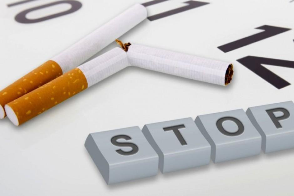 Ekspert: na paczkach papierosów powinny być drastyczne zdjęcia