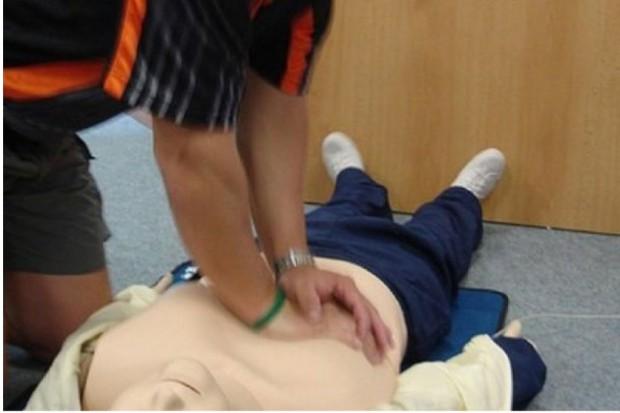 Mazowieckie: bicie rekordu w udzielaniu pierwszej pomocy w stanie zagrożenia życia