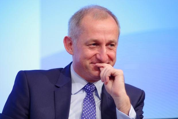 IX Forum Rynku Zdrowia: Sławomir Neumann o dyrektywie transgranicznej w Sejmie