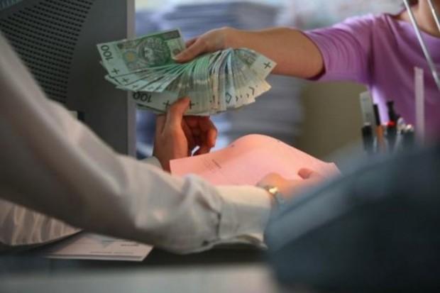 Na trzech ubezpieczonych w ZUS składki zdrowotne płaci dwóch