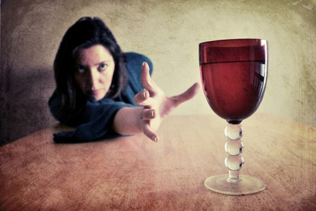 Coraz więcej Polek ma problem z alkoholem