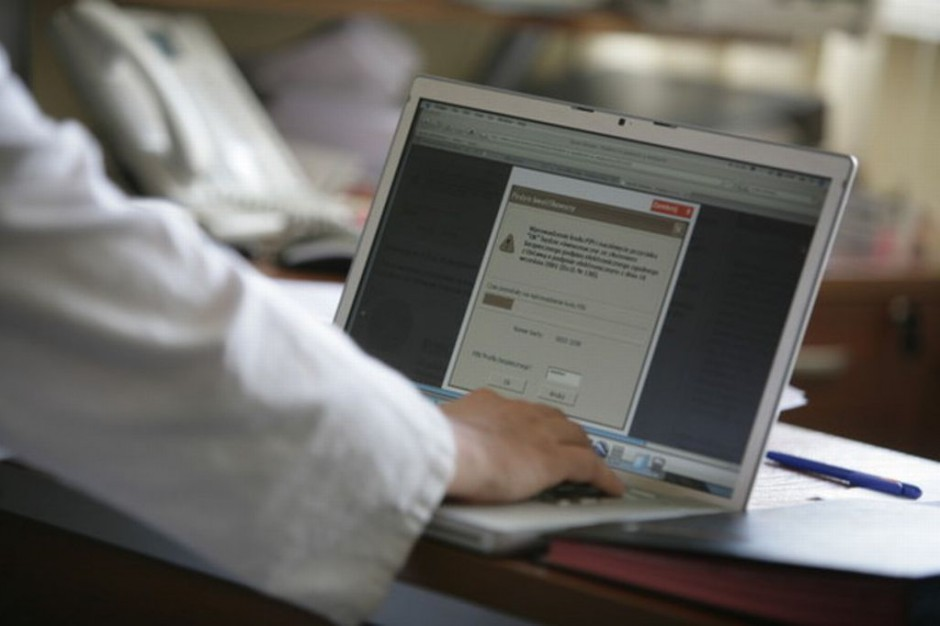 CSIOZ: prace nad systemem informacji medycznej idą zgodnie z planem