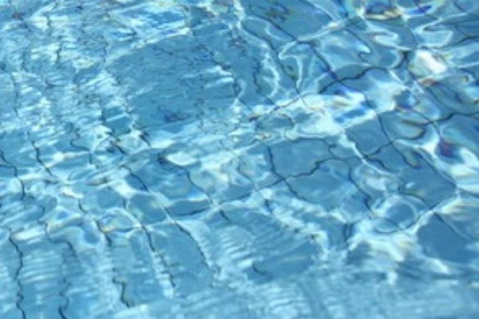 Kielce: szkolenia z ratownictwa na miejskich pływalniach