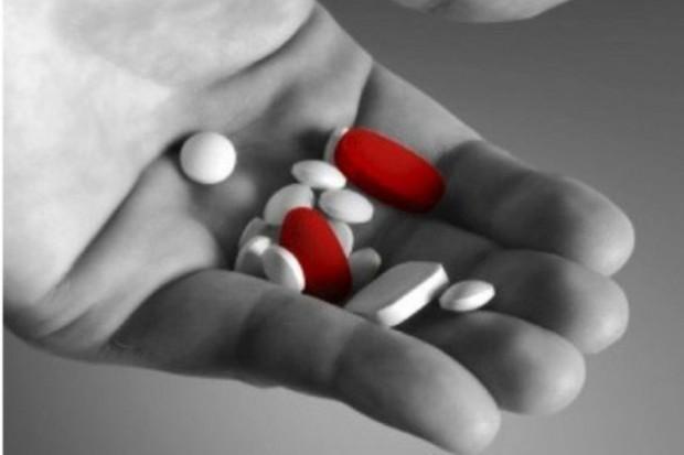 Łódź: chłopcy w wieku 7 i 11 lat zażyli leki psychotropowe