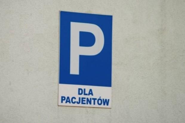 Płock: nowe miejsca parkingowe przy szpitalu