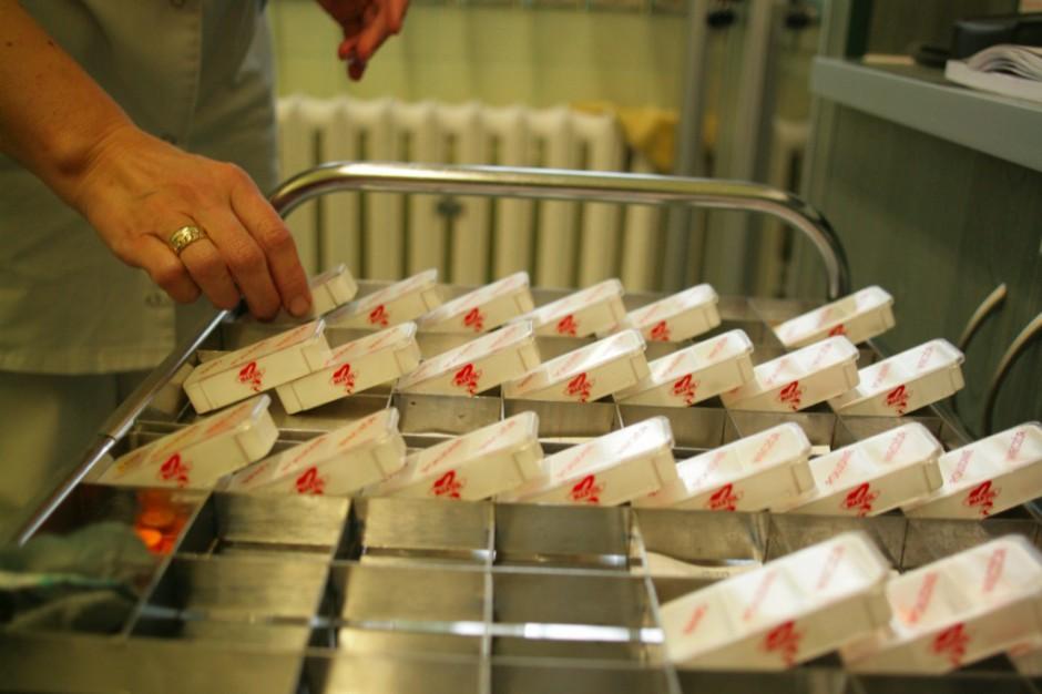 Apteka, a może dział, czyli farmacja w szpitalu szyta na miarę potrzeb