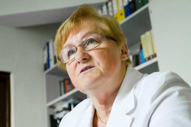 Prof. Świderska: brakuje wiarygodnych informacji o kosztach leczenia