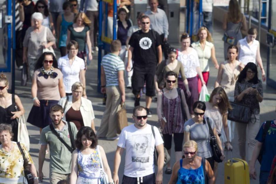 CBOS: prawie połowa Polaków w 2013 roku bywała zdenerwowana, rozdrażniona