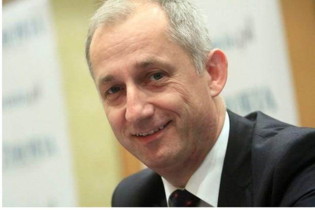 Neumann: w 2014 r. projekty dotyczące skrócenia kolejek i reformy NFZ