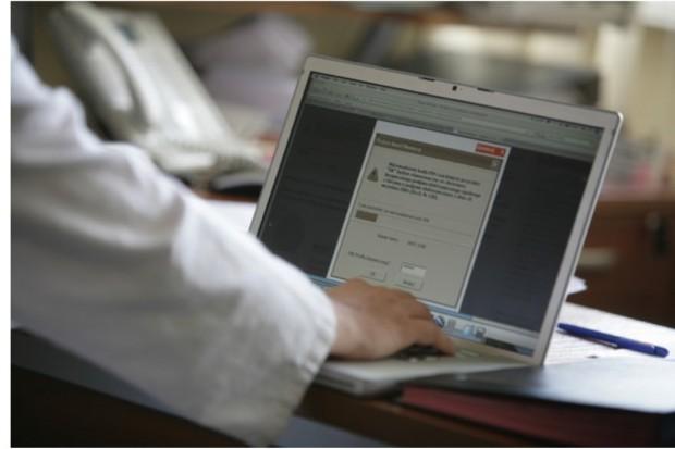 Podkarpackie: NFZ wystawi rachunki nieubezpieczonym, ale najpierw zweryfikuje dane