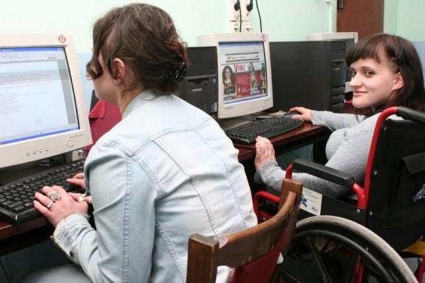 Białystok: Wojewódzki Urząd Pracy wspiera osoby niepełnosprawne