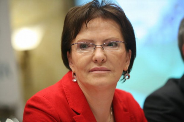 Ewa Kopacz czyta bajki chorym dzieciom