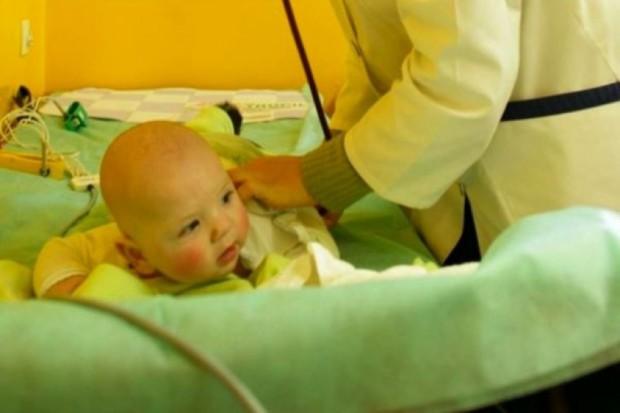 Małopolskie: coraz więcej dzieci choruje na zapalenie płuc