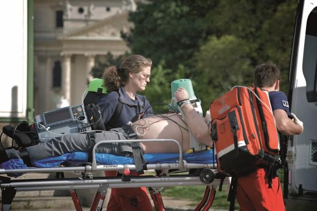 Ratownicy: 90 proc. dyspozytorów medycznych już zostało przeszkolonych