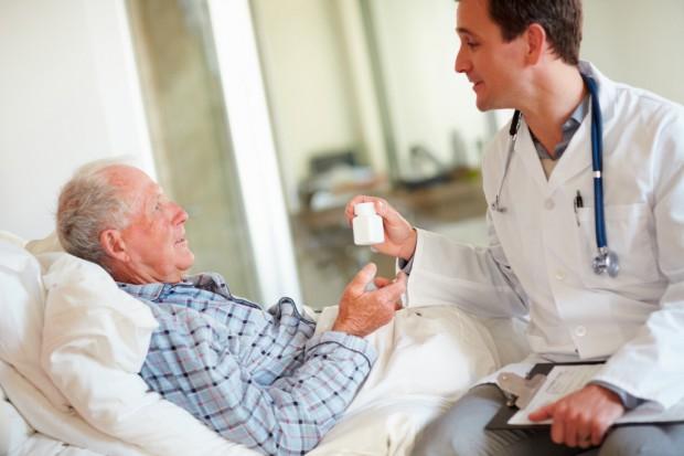 Pacjent geriatryczny to często osoba posiadająca (zbyt) duży zapas leków