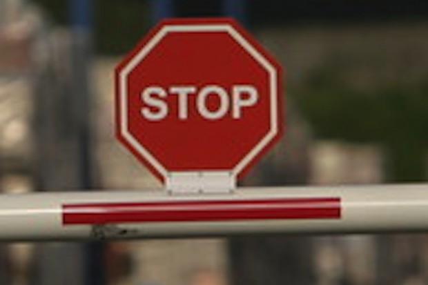Zachodniopomorskie: wjazd na teren szpitala tylko z przepustką?