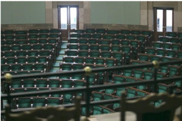 Sejm: Prawo i Sprawiedliwość oraz Twój Ruch za odrzuceniem projektu zmian w POZ