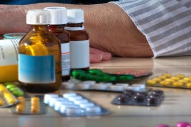 Leki OTC zwierające substancje psychoaktywne - dozwolone od lat 18?