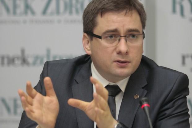 Wiceminister Radziewicz-Winnicki o walce z dopalaczami