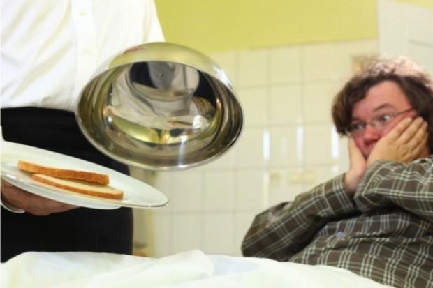 Szpitalne posiłki na Facebooku