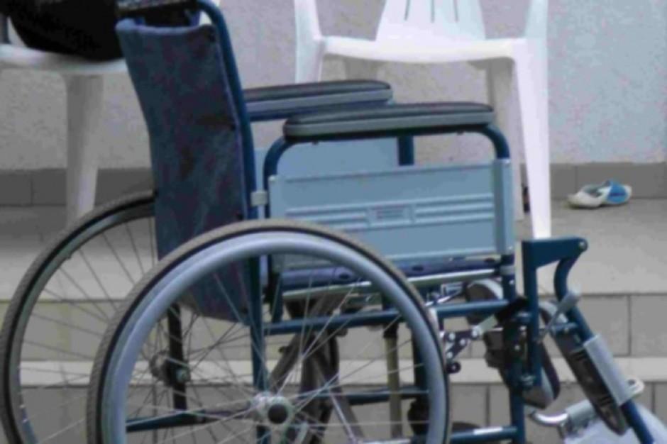 """Apelują do rządu o """"okrągły stół"""" ws. problemów osób niepełnosprawnych"""