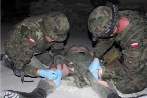Bezzałogowa platforma lądowa uratuje rannych z pola walki