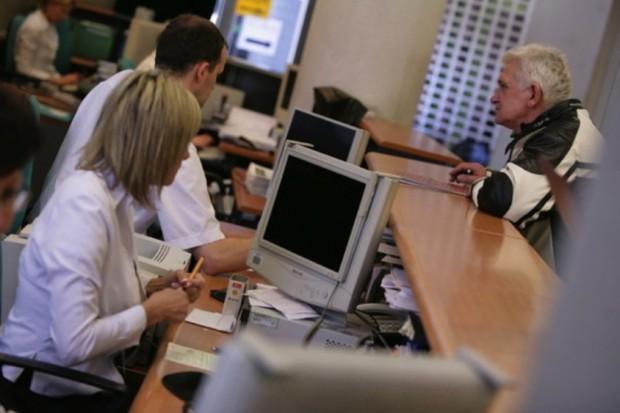 Pomorskie: infolinia o kolejkach - na ile wiarygodne są podawane informacje?