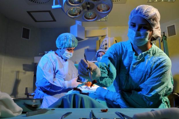 Wrocław: wszczepili protezę głosową