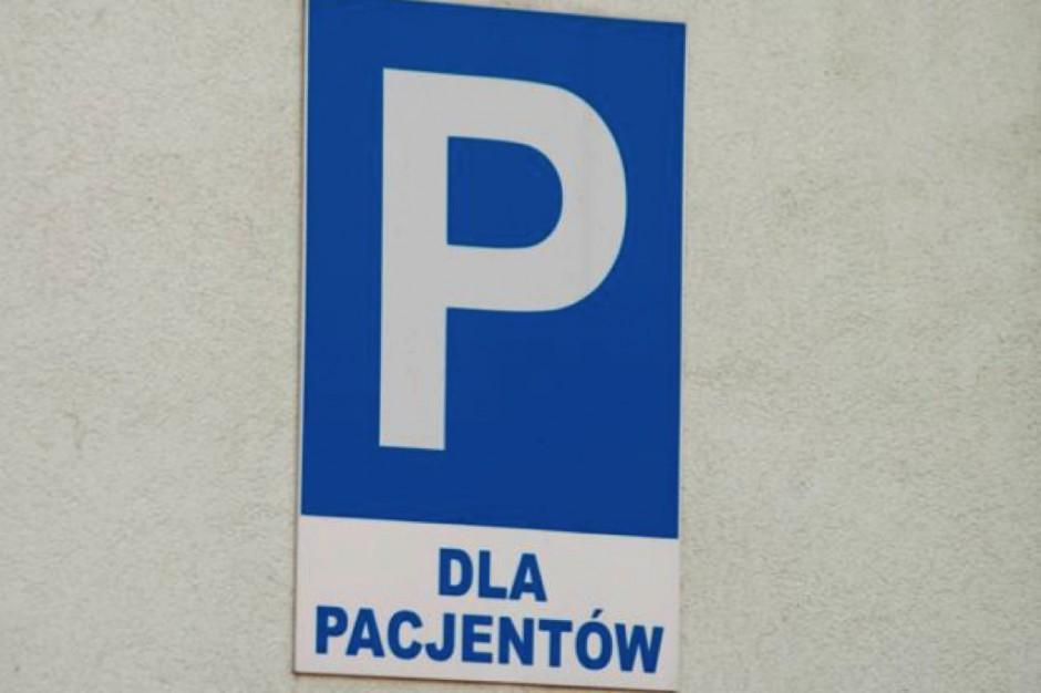 Poznań: szpitalny parking w remoncie, straż miejska karze