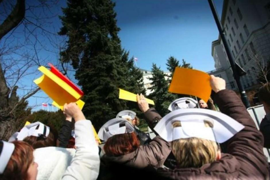 Białystok: pielęgniarki ze szpitala wojewódzkiego chcą wyższej pensji